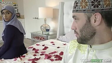 Juggy Arab wife Violet Myers does everything her husband desires on her wed