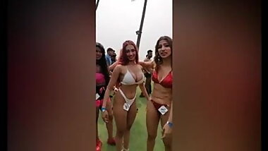 Indian models in bikini contesting for bodypower building