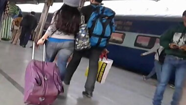 Desi Teen Hot in Public